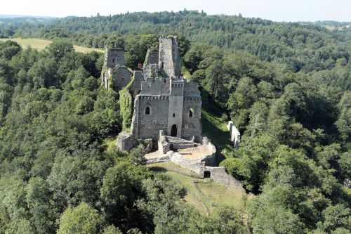 Château cathare, non! Chalucet en Limousin